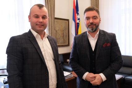 PODRŠKA JEDNOGLASNO USVOJENIM PROJEKTIMA Košarac i Grujičić o odobrenju 1,5 miliona KM Srebrenici