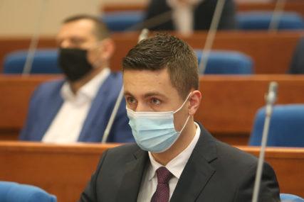 """""""Čeka nas još mnogo posla"""" Ilić naglasio da je skupštinska većina izglasala sve predložene amandmane"""