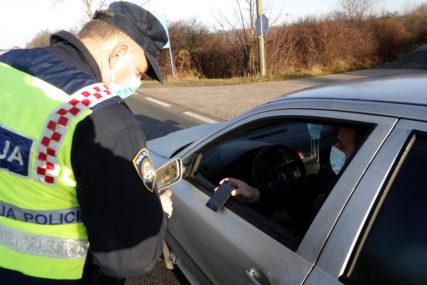 Pijan i drogiran za volanom: Policija uhapsila vozača koji divljao cestom 115 kilometar na čas