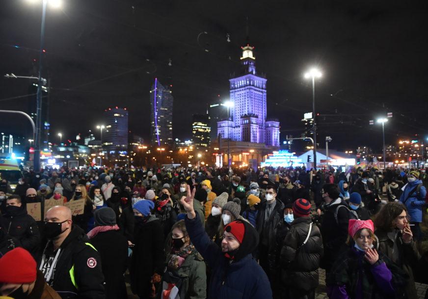 NAJAVLJENI NOVI PROTESTI U Poljskoj zvanično stupio na snagu kontroverzni zakon o zabrani abortusa