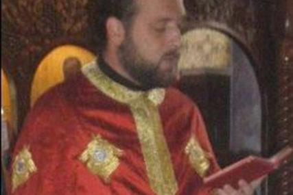 Sveštenik Siniša osnovao HUMANU VIBER GRUPU, za pet godina nahranjeni su i obučeni mnogi