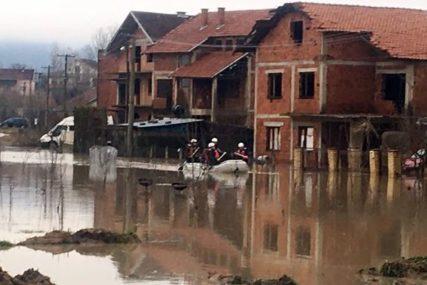 POPLAVE NA JUGU SRBIJE  Nekoliko opština proglasilo vanrednu situaciju, dramatične slike iz Pirota  (FOTO,VIDEO)