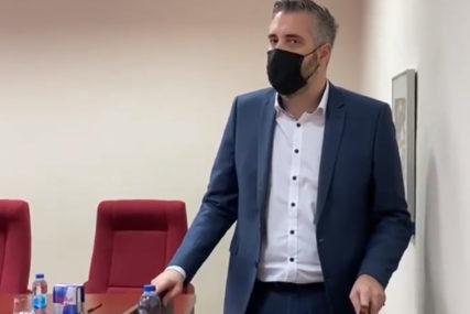 Emotivan govor ministra Rajčevića studentima: Lažne diplome su KANCER ovog društva (VIDEO)
