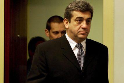 KAZNU ODSLUŽIVAO U POLJSKOJ Sreten Lukić privremeno prebačen u hašku pritvorsku jedinicu
