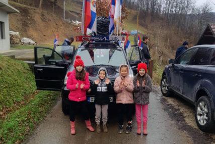 TRADICIJA U MILIĆIMA Badnjak obilazi naselja, mještani ga daruju