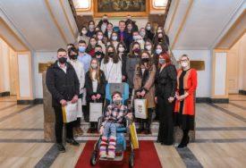 Povodom SVETOG SAVE: Grad nagradio najbolje učenike osnovnih i srednjih škola