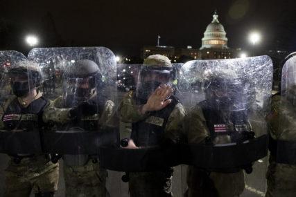 """FBI UPOZORAVA """"Planiraju se neredi u svih 50 saveznih država SAD"""""""