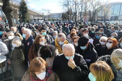 REDOVIMA NEMA KRAJA U Beogradu otvoreno još 30 punktova za vakcinaciju, ogromne gužve (FOTO)