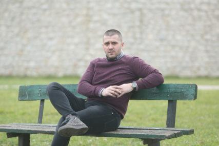 """""""Mladi žele budućnost, a ne POVRATAK U PROŠLOST"""": Trninić tvrdi da su građani """"siti"""" starih lica u politici"""