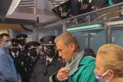 """""""NEZAKONITO ZADRŽAVANJE"""" Njemačka pozvala Rusiju da odmah oslobodi Navaljnog"""