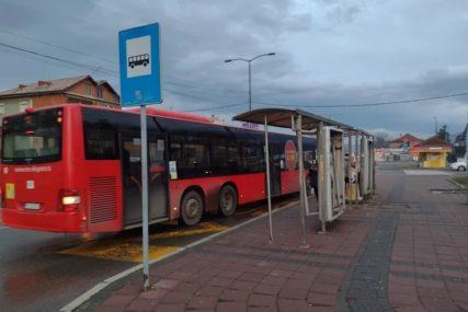 ISTRAUMIRAO DIJETE Muškarac uznemiravao djevojčicu (11) na autobuskoj stanici, komšije upozoravaju da mu to nije prvi put