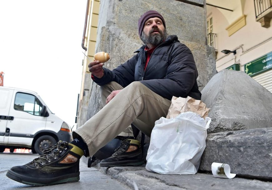 """""""On je odlučio da NESTANE ZAUVIJEK"""" Beskućnik pronađen mrtav, imao 100.000 evra u banci"""