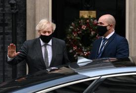 Britanski premijer upozorava: Nova varijanta virusa povezana sa većom stopom smrtnosti