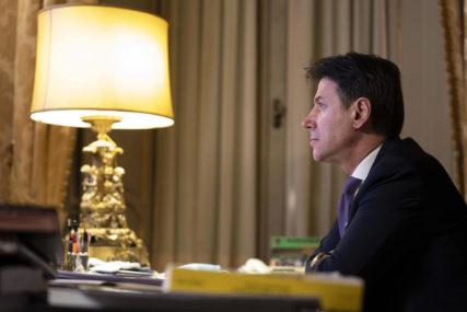 KONTE PODNIO OSTAVKU Premijer Italije prelomio, država ulazi u krizni period