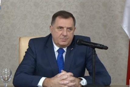 Dodik o NABAVCI VAKCINA: Dobio sam garancije da će iz Rusije za Srpsku stići 100.000 doza