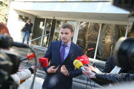 Prvu sjednicu Skupštine grada PRATI HAOS: Stanivuković i odbornici PDP ne žele u salu, OVO JE RAZLOG (FOTO)