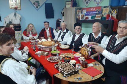 LJEPOTE RAZLIČITIH OBIČAJA Izbjegli i raseljeni njeguju zavičajnu tradiciju u Janji