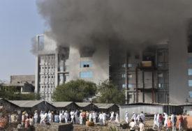 PLANULA ZGRADA NAJVEĆEG SVJETSKOG PROIZVOĐAČA VAKCINE Pet osoba stradalo u velikom požaru u Indiji