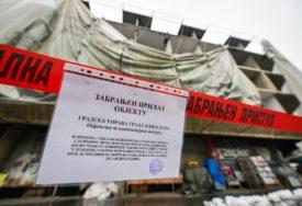 Ugrožena BEZBJEDNOST PJEŠAKA: Gradske službe zabranile prolaz na dijelu Trga Krajine