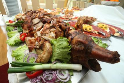 SEDAM PREPORUKA ZA OČUVANJE ZDRAVLJA Kako da balansiramo ishranu u prazničnim danima