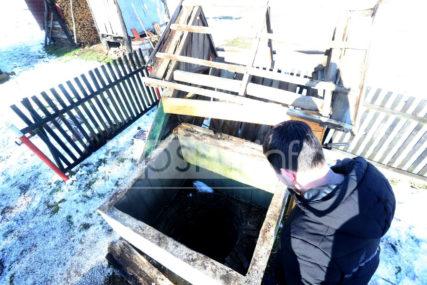 """""""Gledala sam SMRTI U OČI"""" Terorisao cijelo selo, pa ubio komšiju i njegovo tijelo bacio u bunar (FOTO)"""