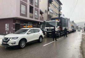 OPREMLJENI STRUJOM I VODOM Stigla četiri kontejnera za najugroženije u Kostajnici