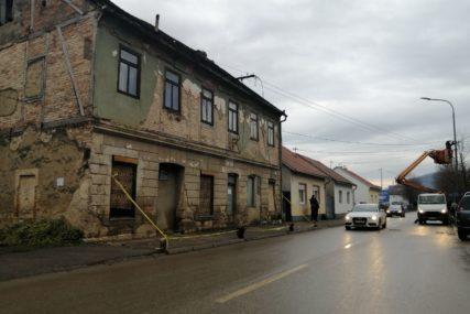 """BUDIMO LJUDI"" Paketi pomoći porodicama iz Kozarske Dubice i Kostajnice"