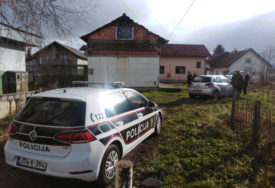 POLICIJA VRŠI UVIĐAJ Po treći put zapaljena kuća Bojića u sarajevskom naselju Doglodi