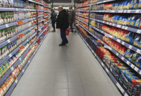 NISMO ŠTEDILI SAMO ZA HRANU Epidemija korona virusa značajno smanjila potrošnju u Srpskoj