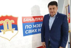 KAO U SLUČAJU POPLAVA Radović predlaže da Vlada vaučerima pomogne građanima Kostajnice i Kozarske Dubice