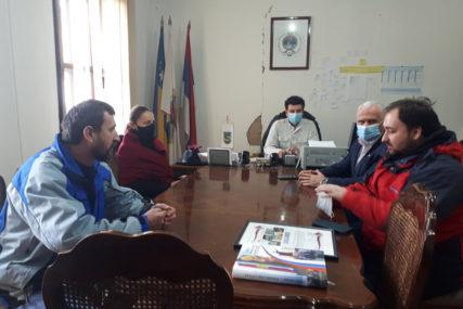 HUMANOST ANONIMNOG DONATORA Uručene donacije porodicama u Kostajnici i Kozarskoj Dubici