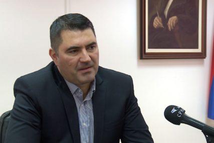 NA EVIDENCIJI 83.000 NEZAPOSLENIH Vujičić: Zbog korone bez posla ostalo 20.000 radnika, najteže pogođeni TURIZAM I UGOSTITELJSTVO