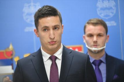 """""""SVJESTAN SAM OBAVEZA KOJE ME ČEKAJU"""" Ilić preuzeo dužnost od Talića"""