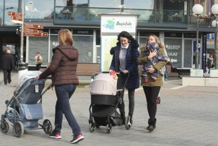 Porodilje ukazuju na MANJKAVOST ZAKONA: Majke trećeg djeteta ne mogu da iskoriste godišnji
