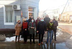 VRAĆANJE ŽIVOTA U NORMALNE TOKOVE Borenović: Kontaktirati međunarode donatore da pomognu Kostajnici