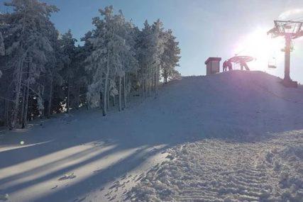 """""""PRONAĐENE SKIJE, PA PROMRZLI MLADIĆ"""" Detalji potrage za izgubljenim skijašem"""