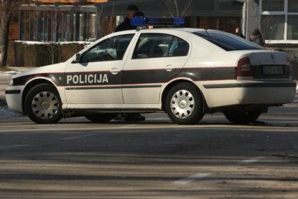 Udario u trgovinu i automobil: Djeca se nalazila u autobusu kada su mu OTKAZALE KOČNICE