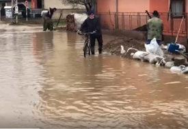PRIJETE OBILNE KIŠE I OTAPANJE SNIJEGA Vanredna situacija i dalje na snazi u većini opštinau južnoj Srbiji