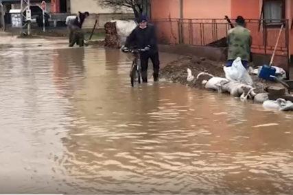 SRBIJA SE BORI SA POPLAVAMA Evakuisano 85 osoba, vanredna situacija u 12 lokalnih samouprava