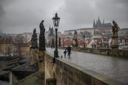 POTREBNA POMOĆ IZ INOSTRANSTVA Češki zdravstveni sistem pod velikim pritiskom