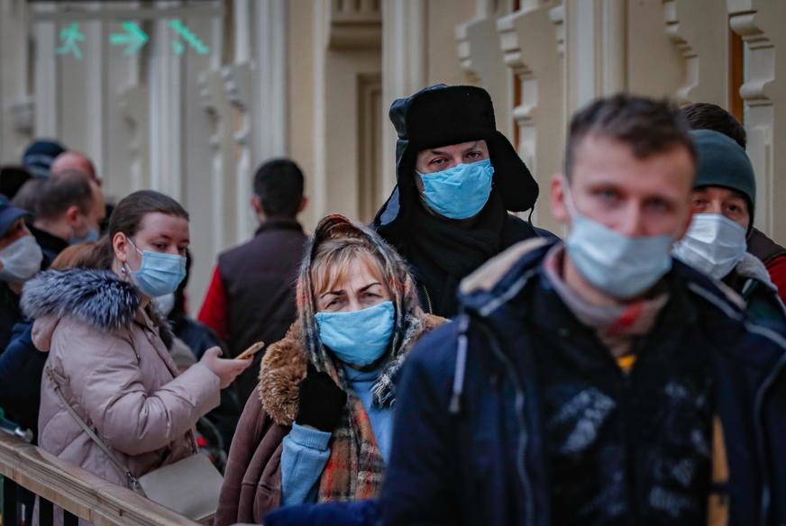 """""""Nije vrijeme za opuštanje"""" Dr Milojević poručuje da ni poslije revakcinacije ne bi trebalo da skinemo maske"""