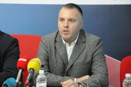 """VIDOVIĆ ODGOVORIO RADOVIĆU """"Preko nesreće grade POLITIČKU KARIJERU"""""""