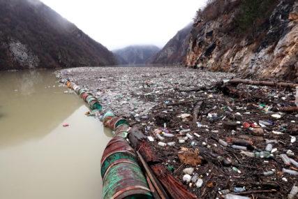 """""""Rad hidroelektrane nije ugrožen"""" Nadležni ističu da se otpad s brane u Višegradu uklanja svakodnevno"""