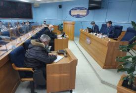 EPIDEMIOLOŠKA SITUACIJA ZADOVOLJAVAJUĆA U Prijedoru zbog oštećenja Gimnazije jedno odjeljenje će NASTAVU PRATITI ONLAJN