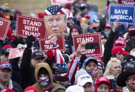 HILJADE TRAMPOVIH PRISTALICA U VAŠINGTONU Protest zbog sjednice kongresa na kojoj će biti potvrđena Bajdenova pobjeda