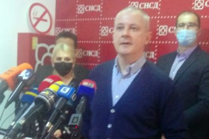 """""""Grad mora da napreduje"""" Lazić poručuje da će """"Koalicija za Bijeljinu"""" inicirati pregovore sa gradonačelnikom Petrovićem"""