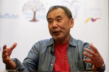 """""""NEZVJESNOST IZAZIVA STRAH"""" Japanski pisac pozvao političare da budu iskreni u vezi sa virusom"""