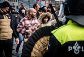 POLICIJA HAPSI U Holandiji protesti zbog mjera protiv korone