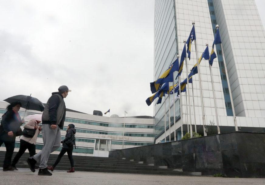 Kako će se razmrsiti Gordijev čvor s platama: Može li Srpska DUGOROČNO DA PLAĆA zaposlene u institucijama BiH