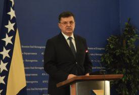 Tegeltija negirao Bakalarove tvrdnje: Postoji dovoljno novca za izbore u Srebrenici i Doboju